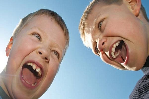 صورة ضحك حتى البول , احلى مقالب وضحك بلا حدود
