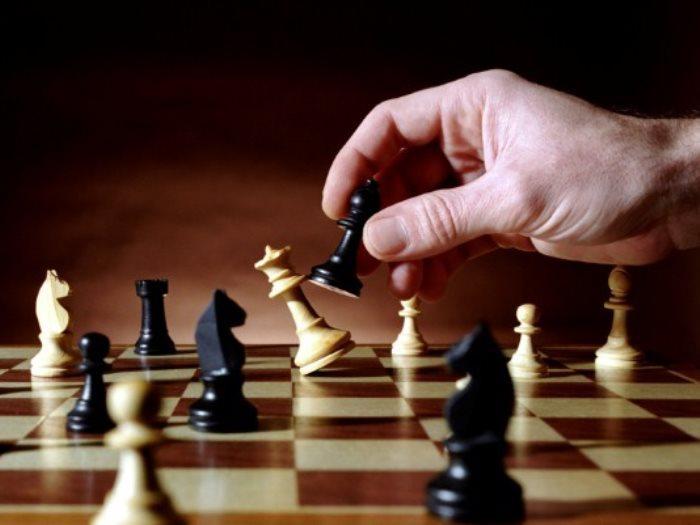 صورة كيف تلعب الشطرنج , طريقة لعب الشطرنج