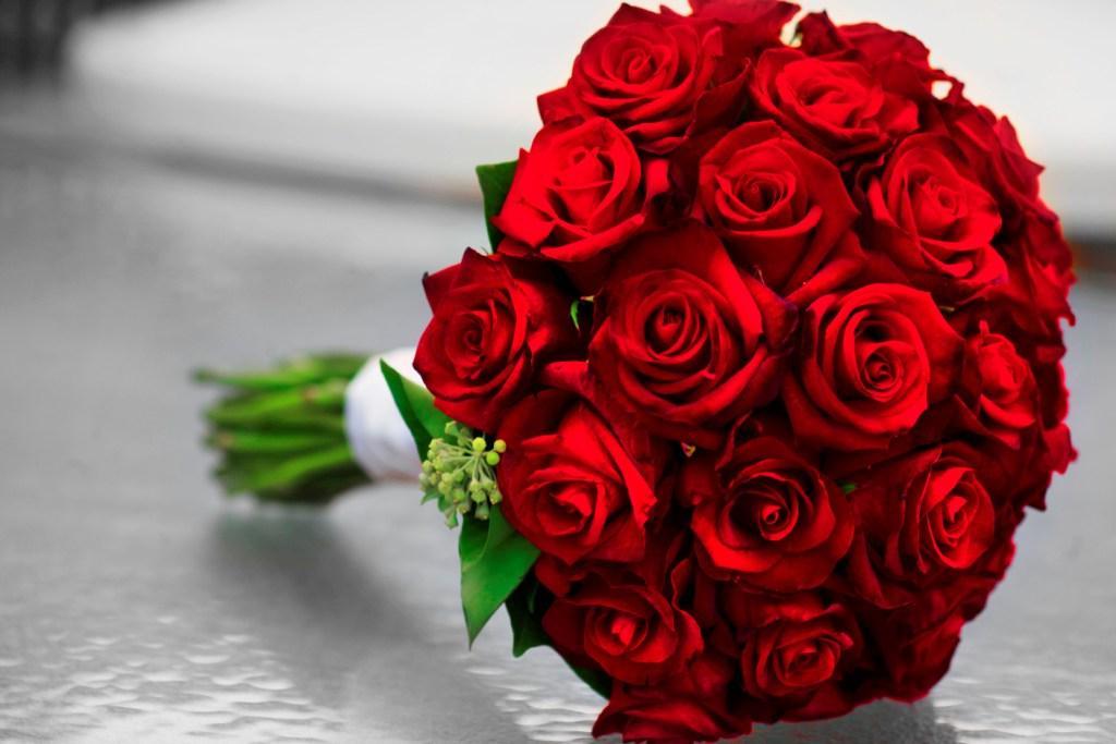صورة بوكيه ورد احمر , اجمل صور بوكيهات ورد باللون الاحمر