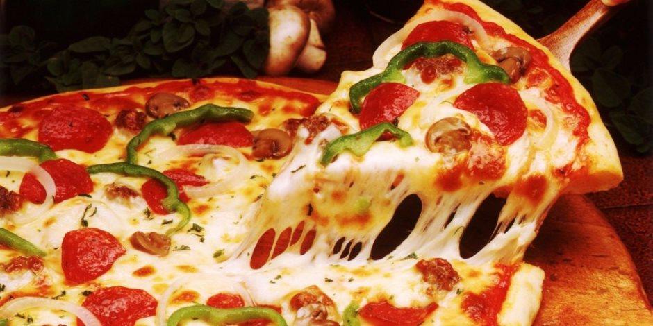 بالصور طريقة عمل البيتزا , البيتزا بطريقه شهيه وسهله 6358 1