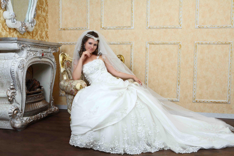 بالصور صور فساتين اعراس , شاهد احدث فساتين للاعراس 1681