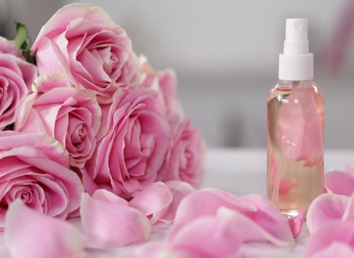صورة فوائد ماء الورد , لن تتركى ماء الورد بعد هذه الفوائد الرائعة