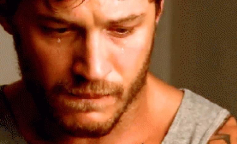 صور رجل يبكي , بوستات دموع رجل