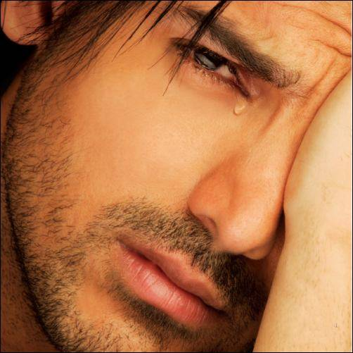 بالصور رجل يبكي , بوستات دموع رجل 702 8