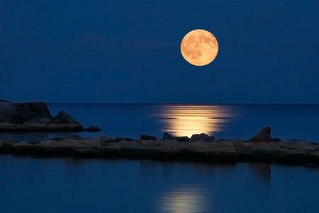 بالصور اجمل صور للقمر , احلى واجمل وارق صور لوجه القمر 403 7