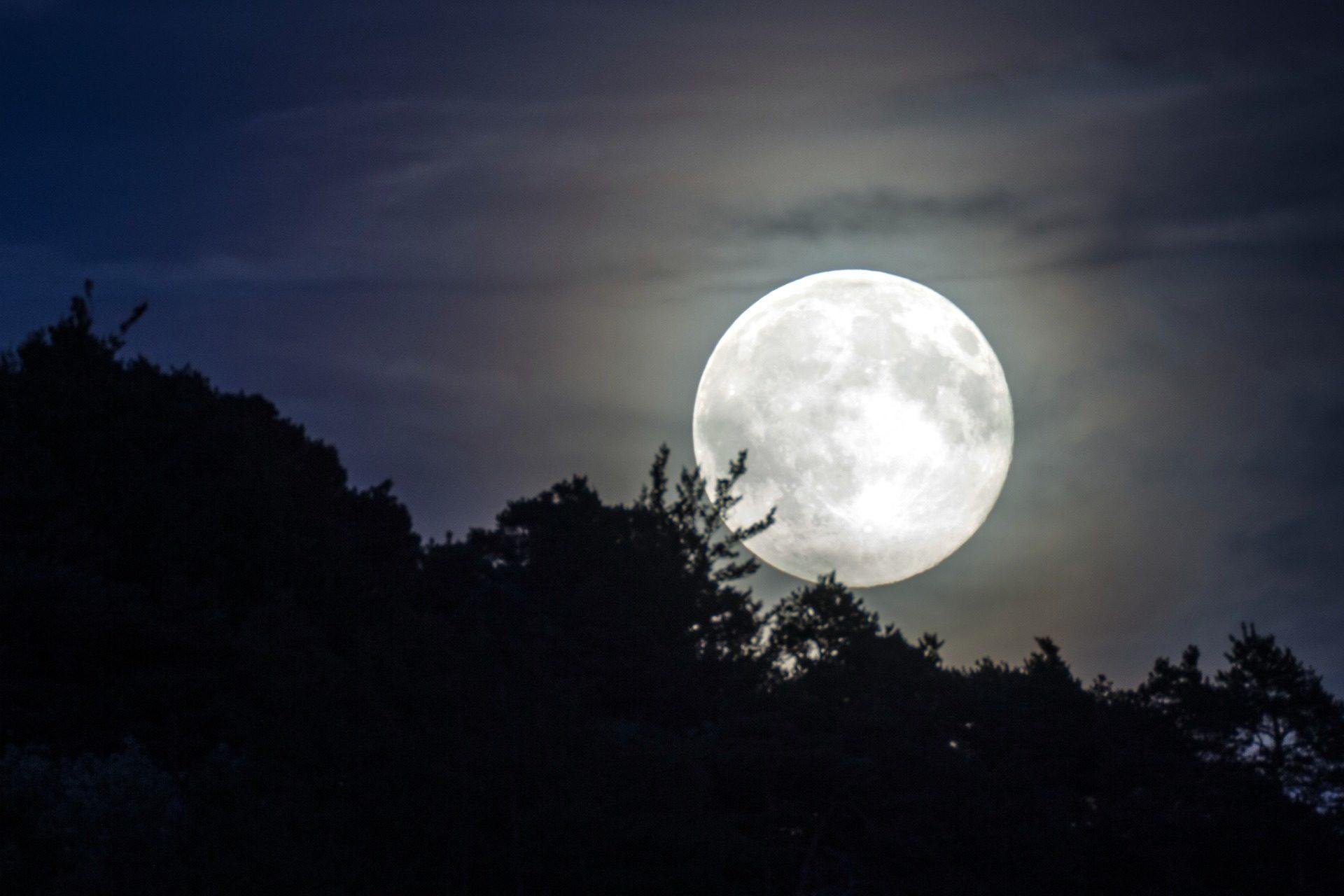 بالصور صور للقمر , احلى الصور لمشهد القمر 4154 14