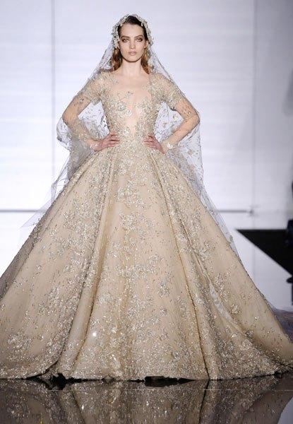 بالصور اجمل فستان في العالم , صورة لاشيك وارق فستان عالميا 478 13
