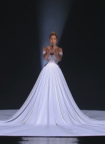 بالصور اجمل فستان في العالم , صورة لاشيك وارق فستان عالميا 478 2