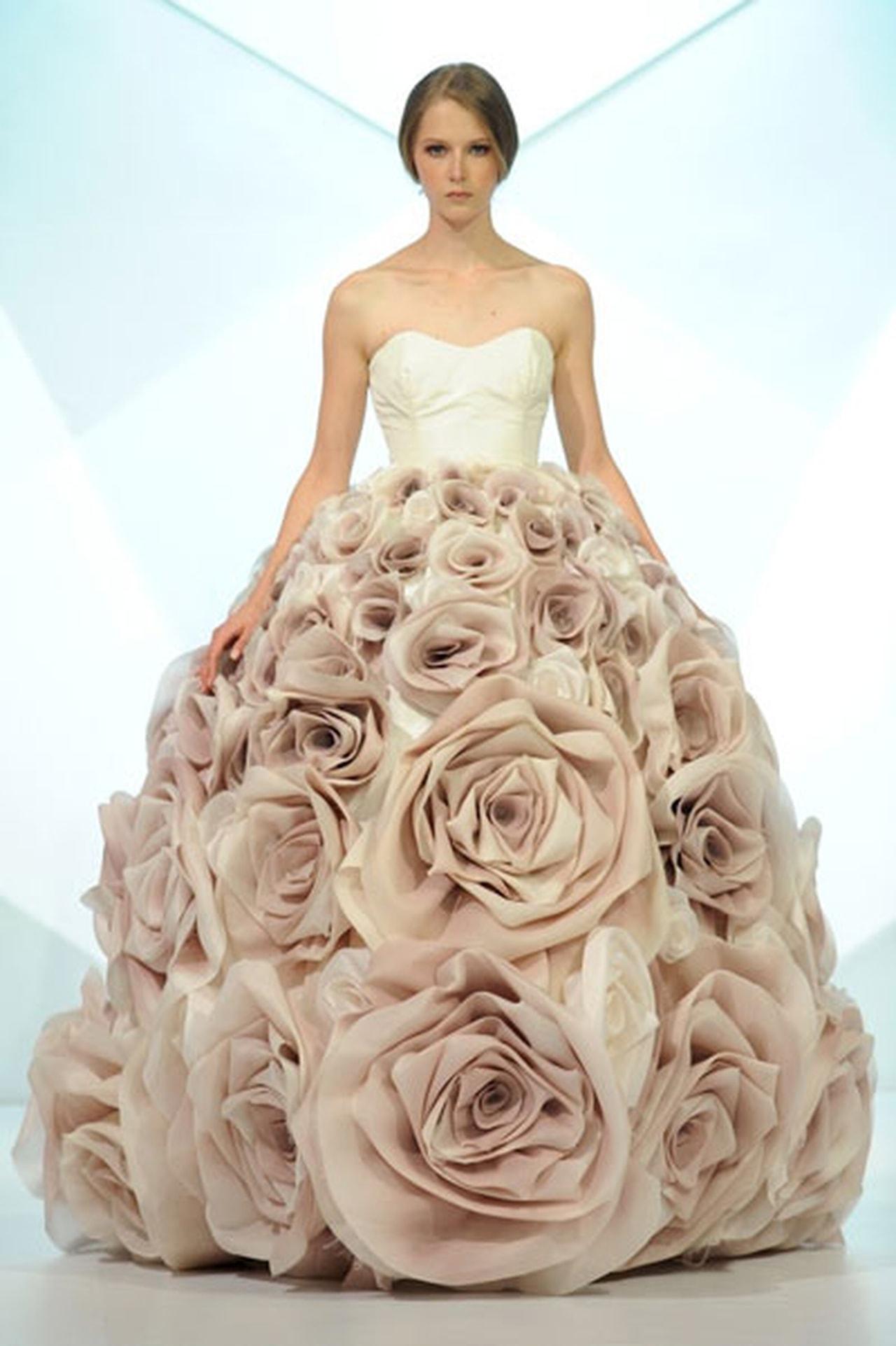 بالصور اجمل فستان في العالم , صورة لاشيك وارق فستان عالميا 478 5