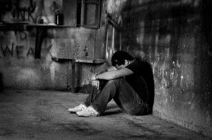 بالصور صور رجال حزينه , رجال في غاية البؤس والحزن الشديد 629 17 310x205