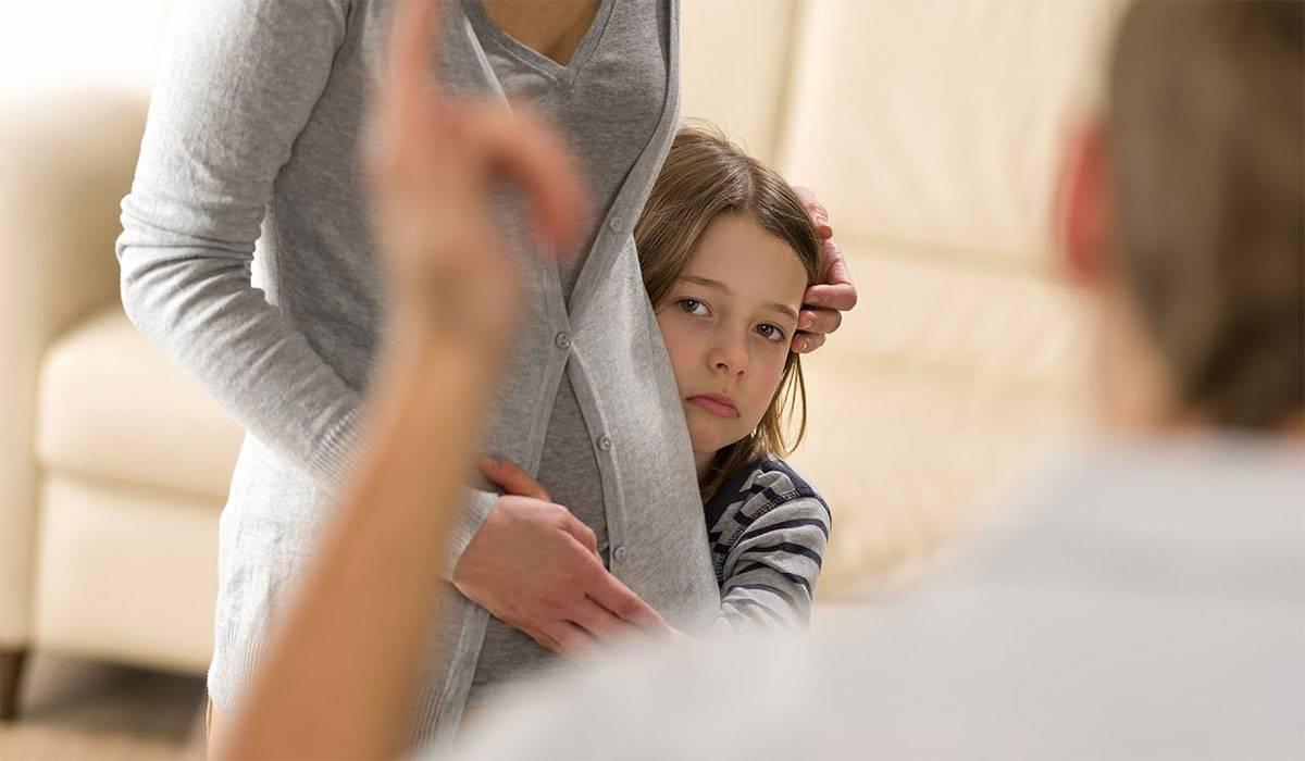 صورة بوس وحضن , تأثير الحنية على الطفل منذ الصغر